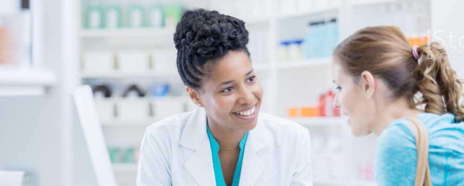 CFF articula PL prevendo piso salarial de R$ 6,5 mil para o farmacêutico